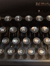 "画像6: ""Remington"" Vintage Typewriter (6)"