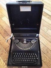 """画像1: """"Remington"""" Vintage Typewriter (1)"""