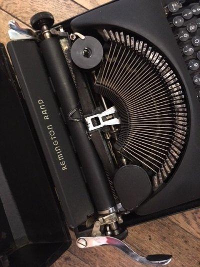 """画像1: """"Remington"""" Vintage Typewriter"""