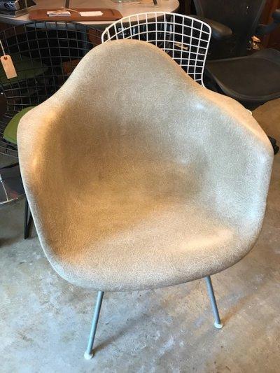 """画像1: """"Herman Miller"""" Eames Arm Shell Chair"""