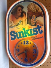 "画像1: ""SunKist"" LightUp Clock (1)"