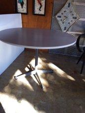 """画像3: """"Herman Miller"""" Contract Base Table (3)"""