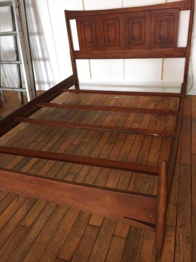 """画像1: """"BROYHILL""""Bed Frame"""