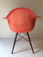 画像4:  Eames Armshell Chair (4)
