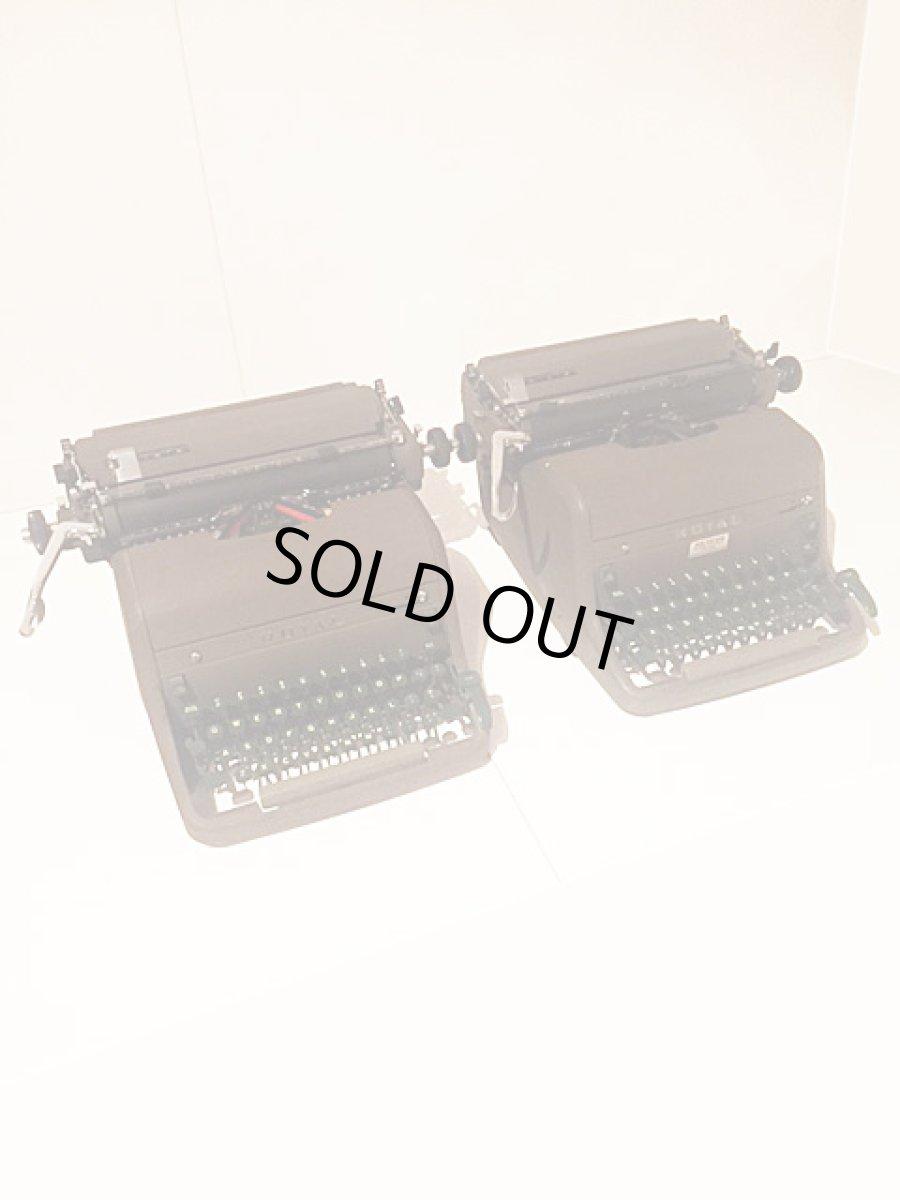 """画像1: """"ROYAL"""" Vintage Typewriter (1)"""