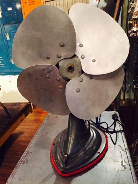 画像1: Vintage Electric fan (1)