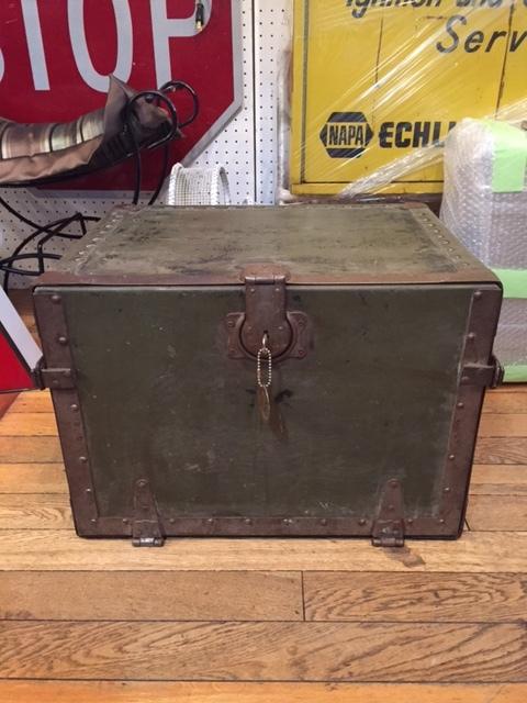 """画像1: """"Military"""" Vintage Cabinet Box (1)"""