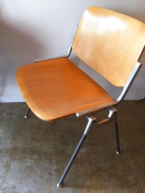 """画像1: """"Pretti"""" Castelli Chair (1)"""