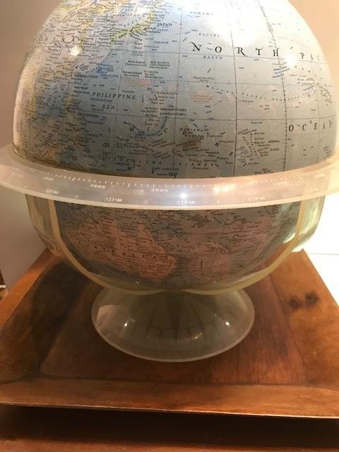 """画像1:  """"NATIONAL GRAPHIC"""" Globe (1)"""