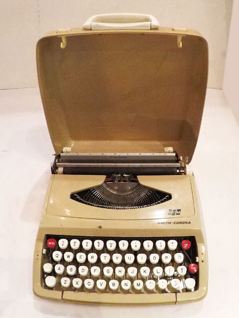"画像1: ""SMITH-CORONA"" Vintage Typewriter (1)"