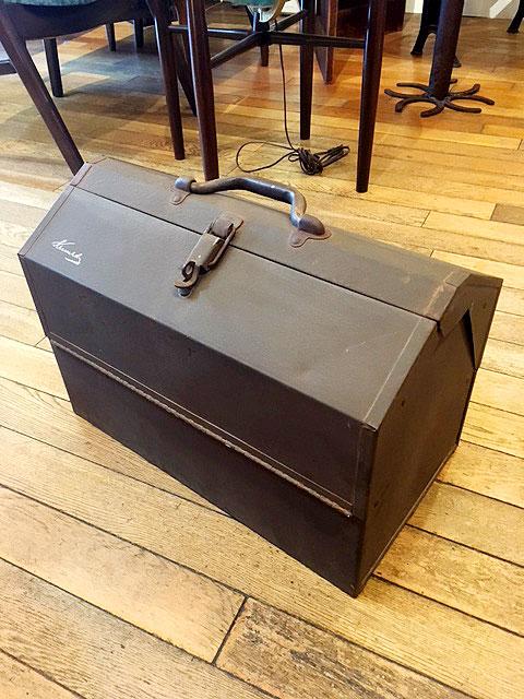 """画像1: """"Kennedy Kits"""" Vintage Tool Box (1)"""