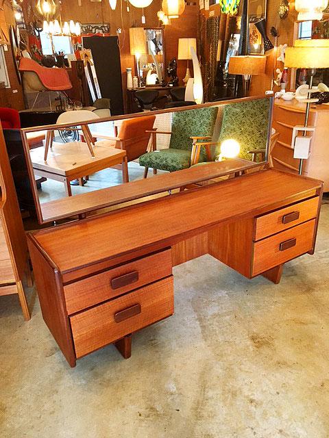 """画像1: """"White & Newton"""" Vintage Dressing Table (1)"""